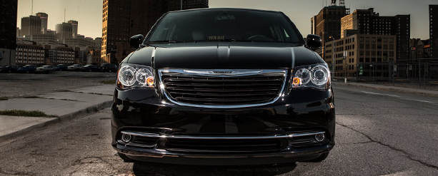 Chrysler Town and Country Claresholm