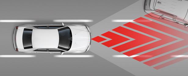 2709-15MY-Chrysler-300-ContentStory-Safety-ForwardCollisionWarning